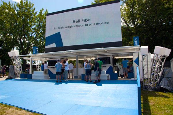 Kiosque de Bell Fibe au Festival d'été de Québec