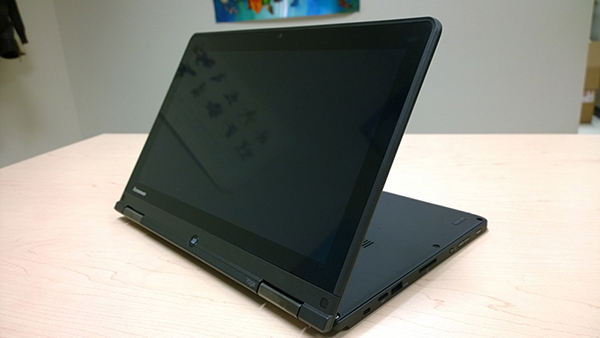 Lenovo_Thinkpad_Yoga_S1-back